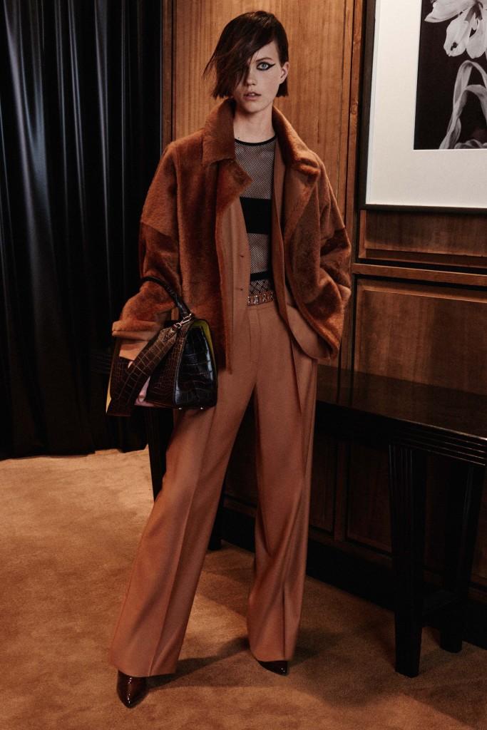 Max-Mara-pre-fall-2016-fashion-show-the-impression-06-683x1024