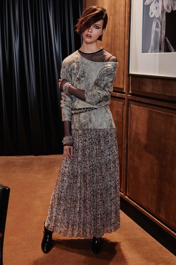Max-Mara-pre-fall-2016-fashion-show-the-impression-16-683x1024